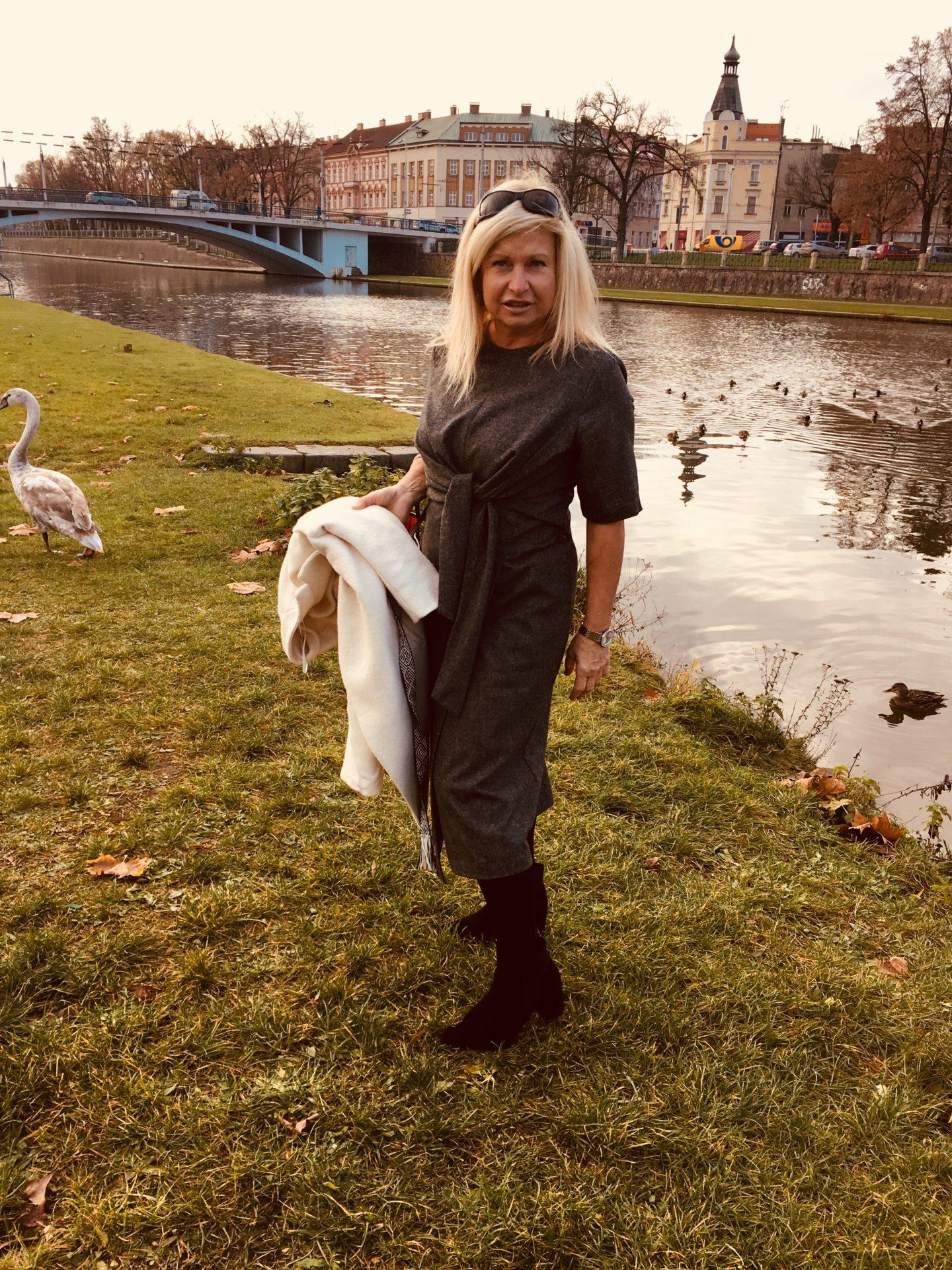 Šaty a labutě – Dáša Vránová fashion blog a9200a6cea